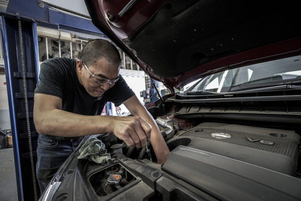 car_repair_engineer
