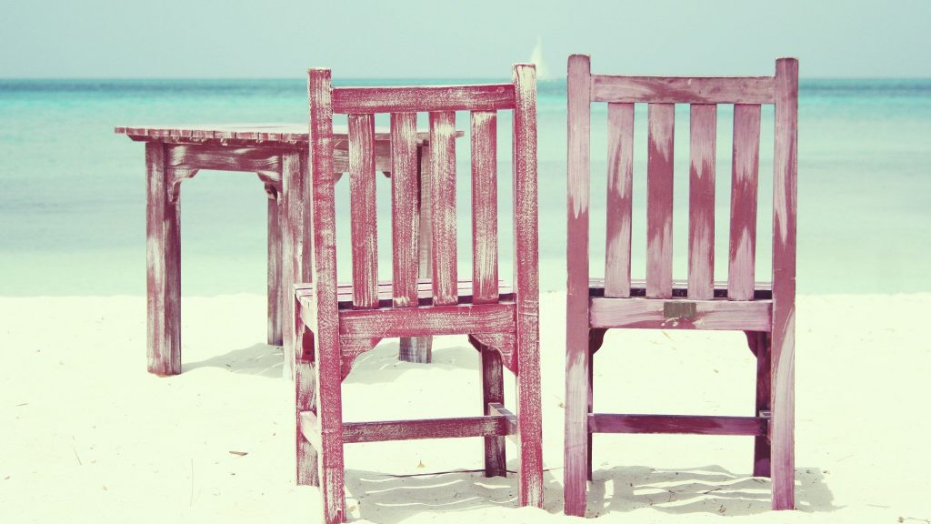 table_and_chair_on_the_bearch