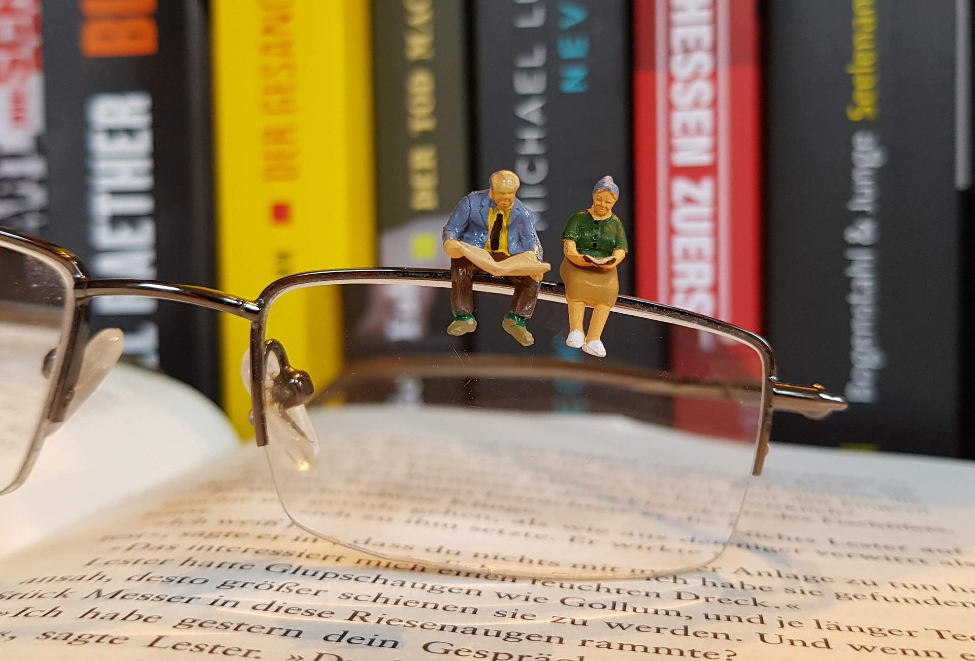 reading_glass